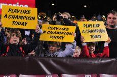 Notre Dame, Holtz Beat Oklahoma for 'Champion' SloganRights